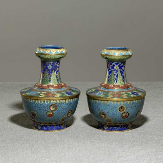Pair of Cloisonné vases with flower decoration, partially fire gilded - photo 1