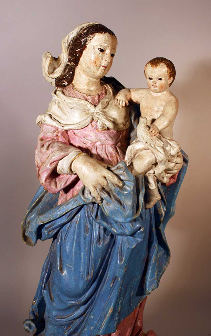 Italian Madonna with Jesus child holding a dove - photo 2