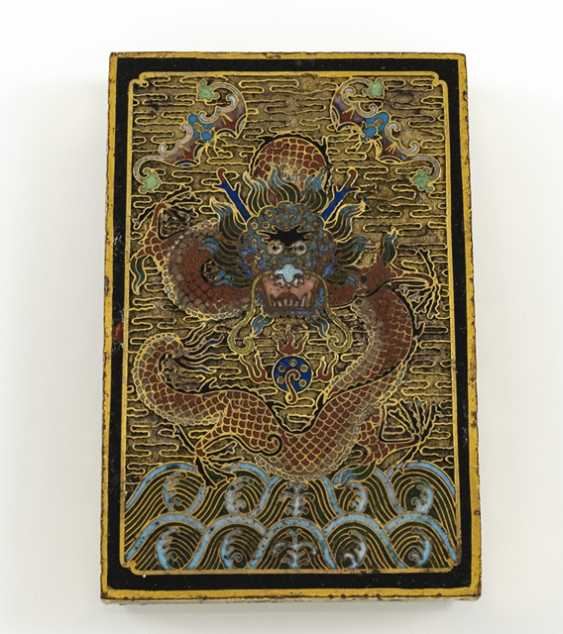 Fire gold-plated paper weight made of Bronze with Cloisonné decoration of a dragon - photo 2