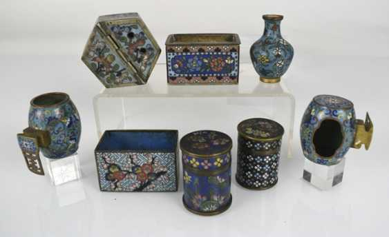 Group of Cloisonné-Work, including Some brush washer, birdbaths, vases, and cans - photo 2