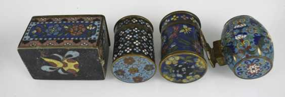 Group of Cloisonné-Work, including Some brush washer, birdbaths, vases, and cans - photo 3