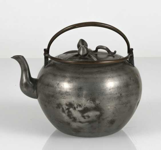 Teapot made of Tin, the lid with plastic peaches - photo 3