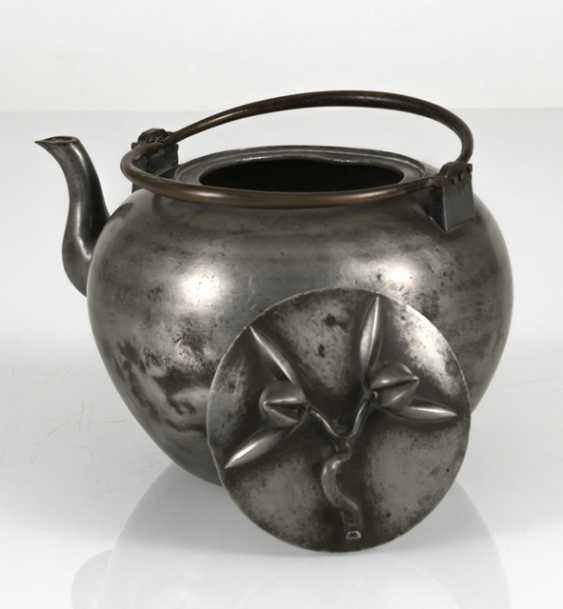 Teapot made of Tin, the lid with plastic peaches - photo 5
