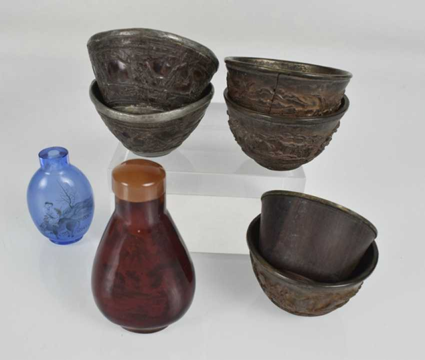 Vintage art craft: hard wood figure, Snuffbottles, coconut cups, among others - photo 4