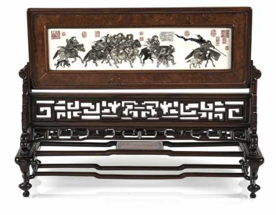 Стол поставь экран из твердого дерева с выгравированным и маркированных пластинку слоновой кости - фото 1