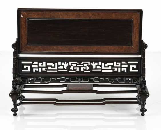 Table control screen made of hard wood with engraved and inscribed ivory plaque - photo 3