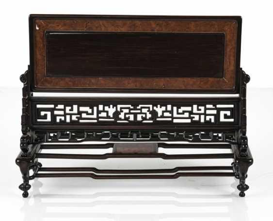 Стол поставь экран из твердого дерева с выгравированным и маркированных пластинку слоновой кости - фото 3