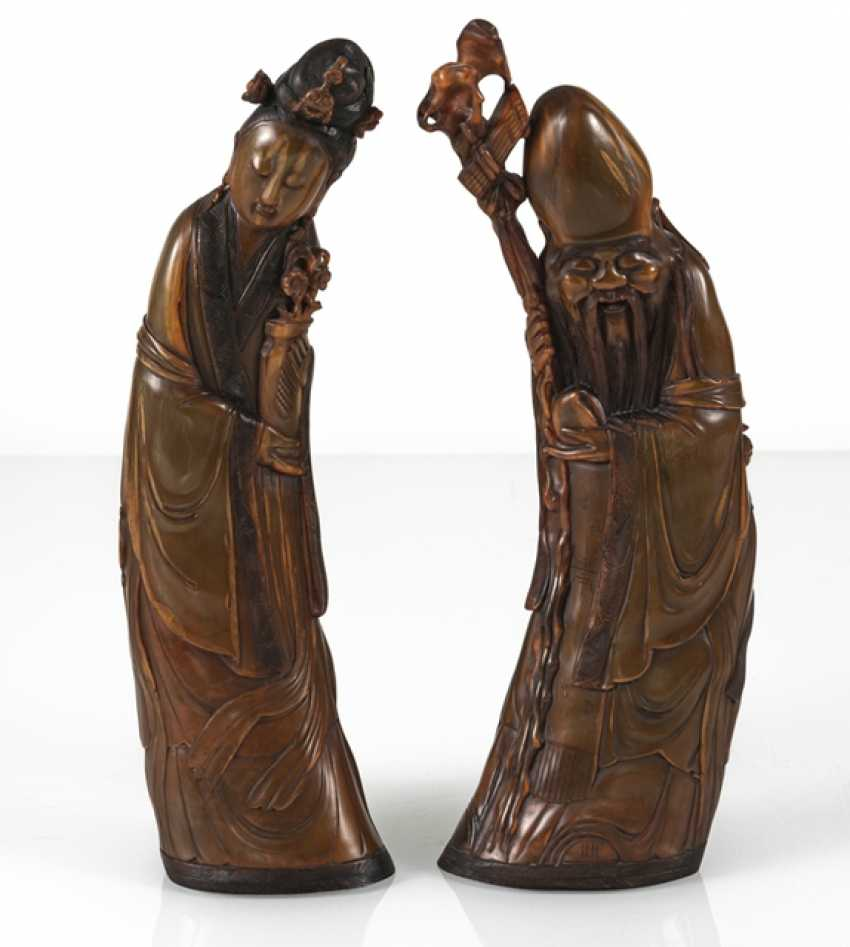 Lady with flowers and Shoulao from orange-brown Buffalo horn carved - photo 2