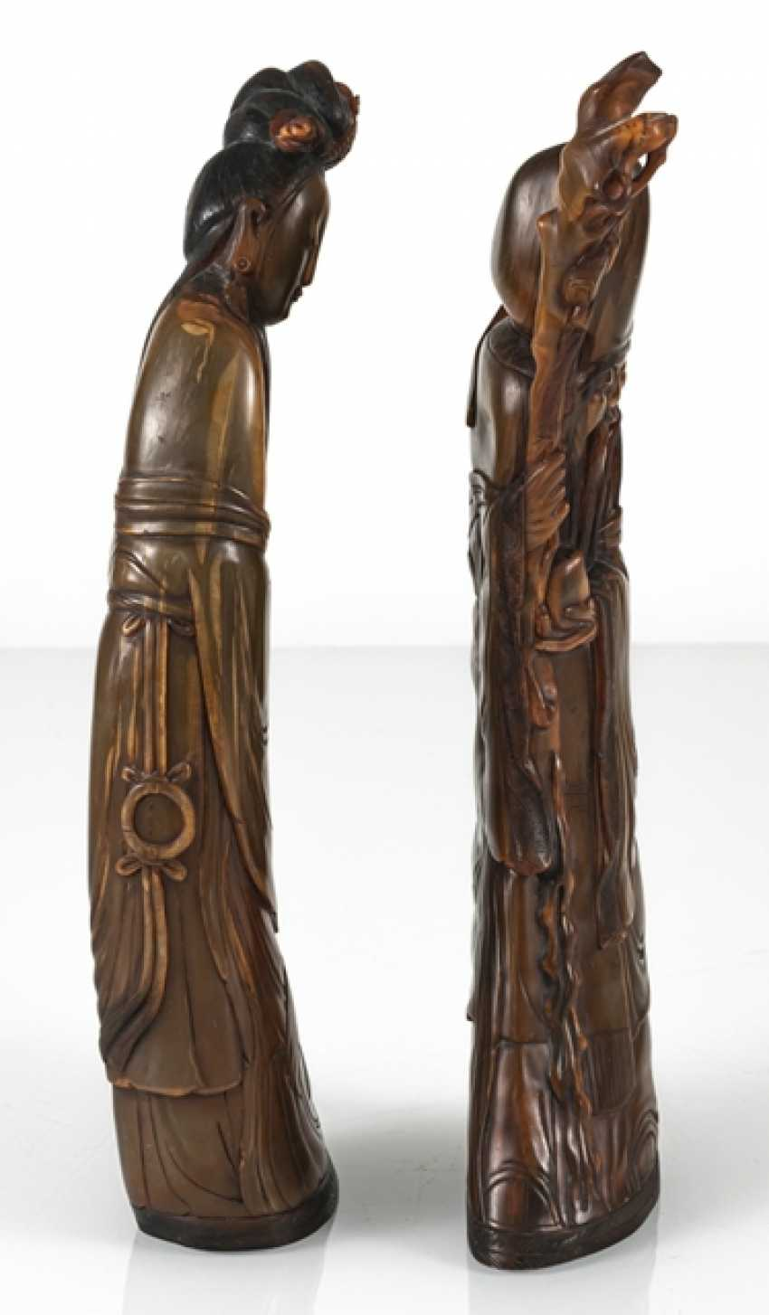 Lady with flowers and Shoulao from orange-brown Buffalo horn carved - photo 5
