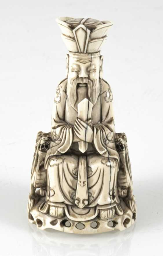 A fine ivory figure of a seated Taoist Official - photo 5