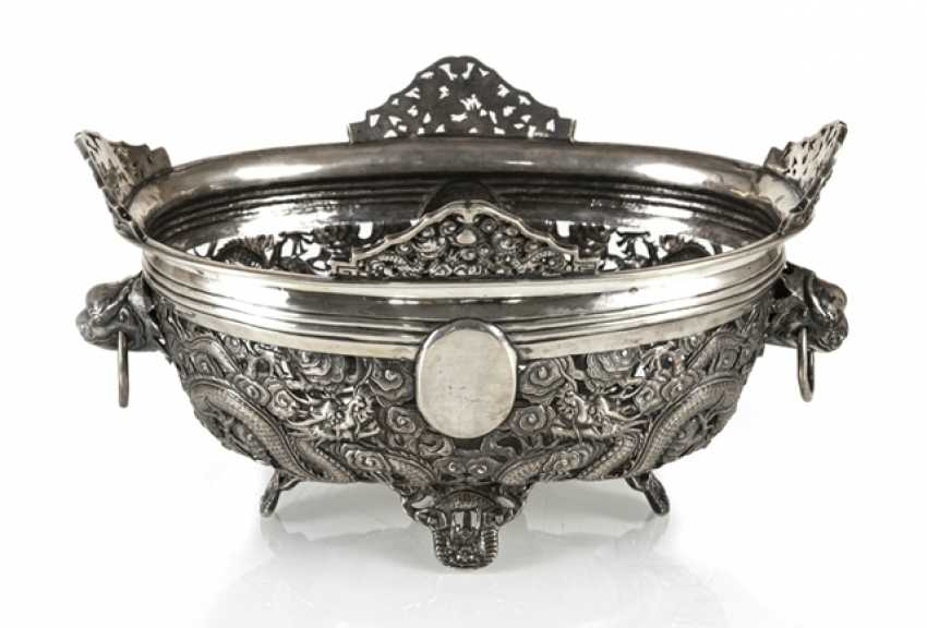 Pierced bowl made of silver with a dragon decor and Voalkartuschen - photo 1