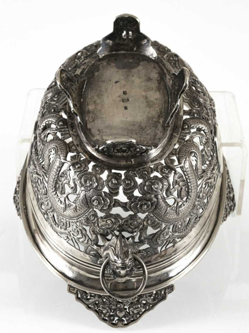 Pierced bowl made of silver with a dragon decor and Voalkartuschen - photo 3