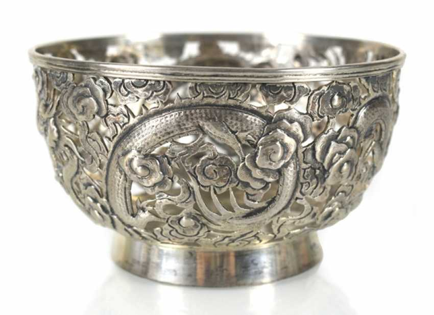 Pierced bowl made of silver with dragon decoration - photo 1