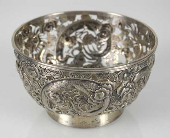 Pierced bowl made of silver with dragon decoration - photo 2