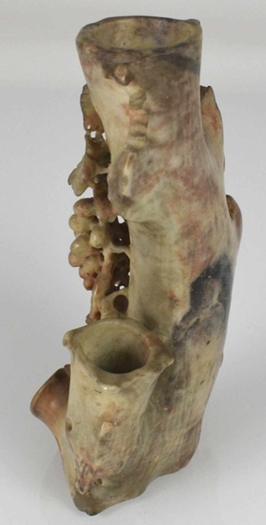 Brush cups are made from soapstone and vines in the Form of a tree trunk with wine - photo 2