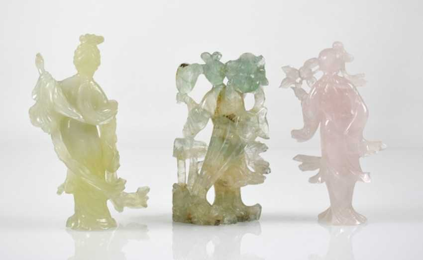 Three figural carvings from Bovenit, beryl and rose quartz - photo 2