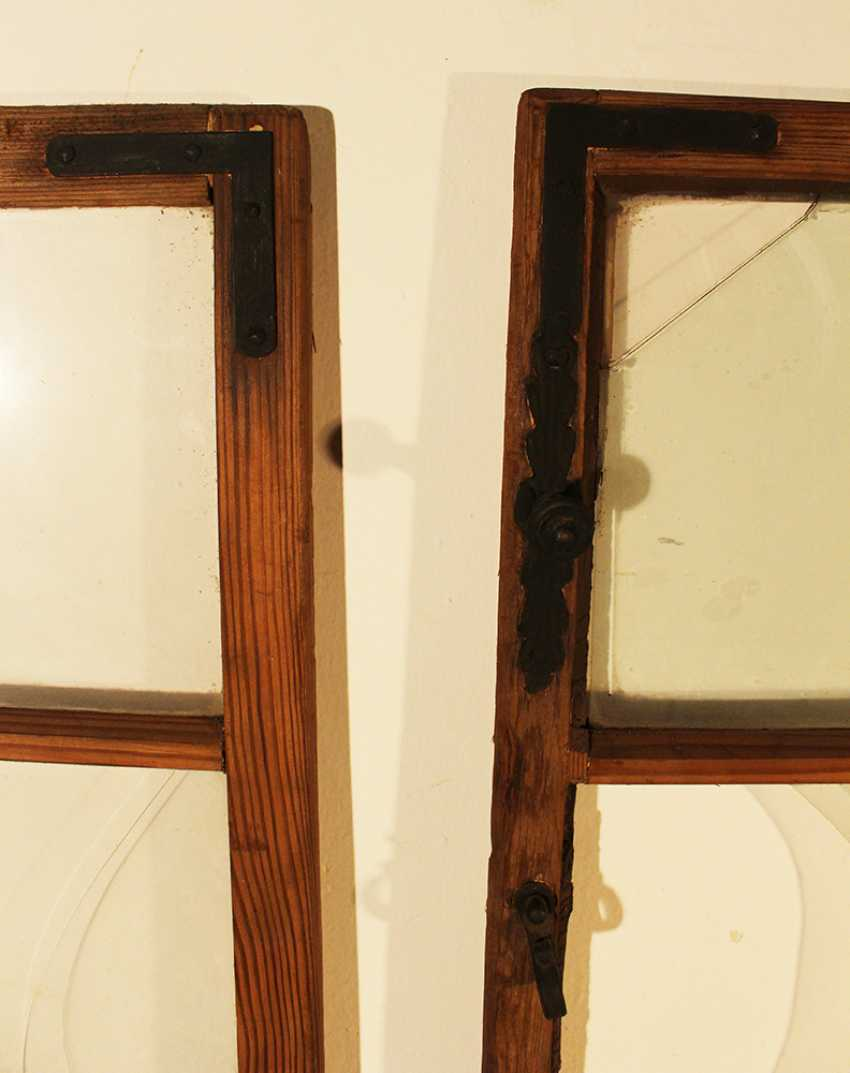 Pair of baroque casement windows, each with 12 sections, partly with their original mouth blown glass, partly with later glass and missing parts - photo 2