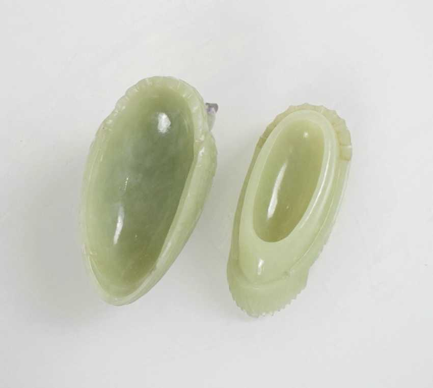 The lid of the vessel made of Jade in the Form of a quail - photo 3
