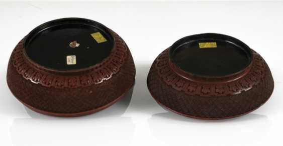 Two Cover boxes made of lacquer red with figure scene - photo 3