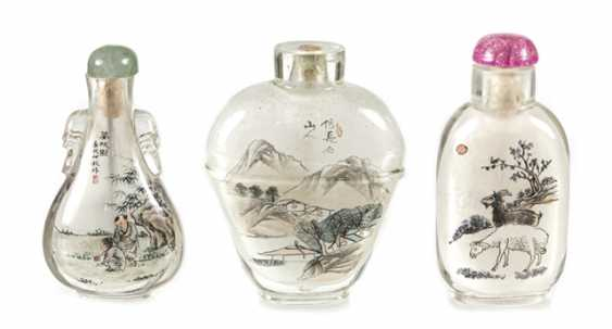 Five Snuffbottles made of glass with inside painting - photo 1
