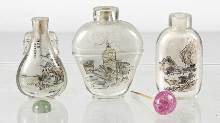 Five Snuffbottles made of glass with inside painting - photo 4