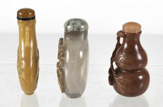 Three Snuffbottles made of stone or agate - photo 2