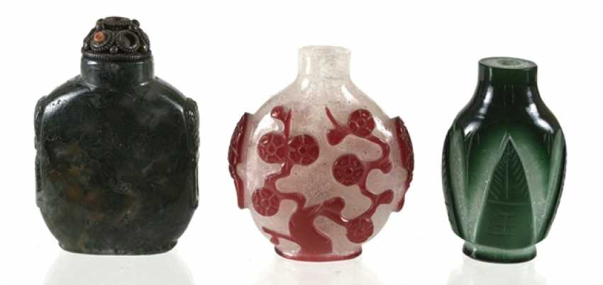 Three Snuffbottles made of glass - photo 1