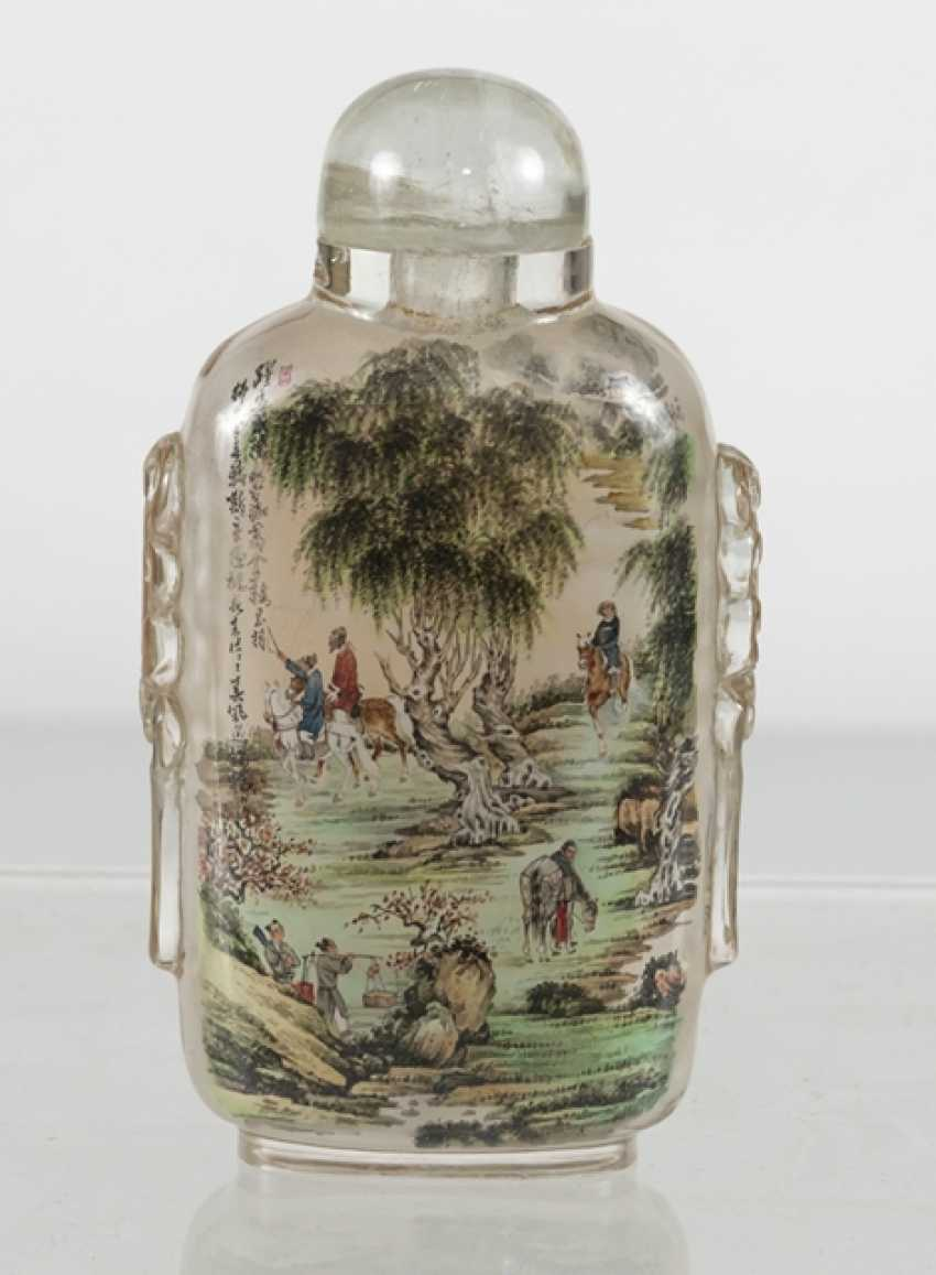 Snuffbottle made of glass with a fine interior painting - photo 2