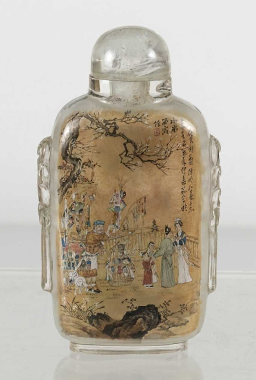 Snuffbottle made of glass with a fine interior painting - photo 4