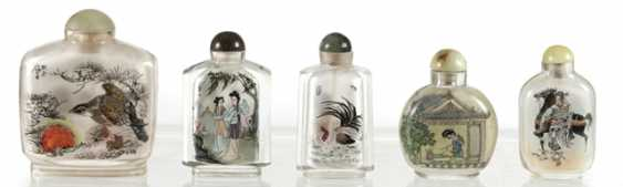 Lot of five Snuffbottles: glass with inside painting - photo 1