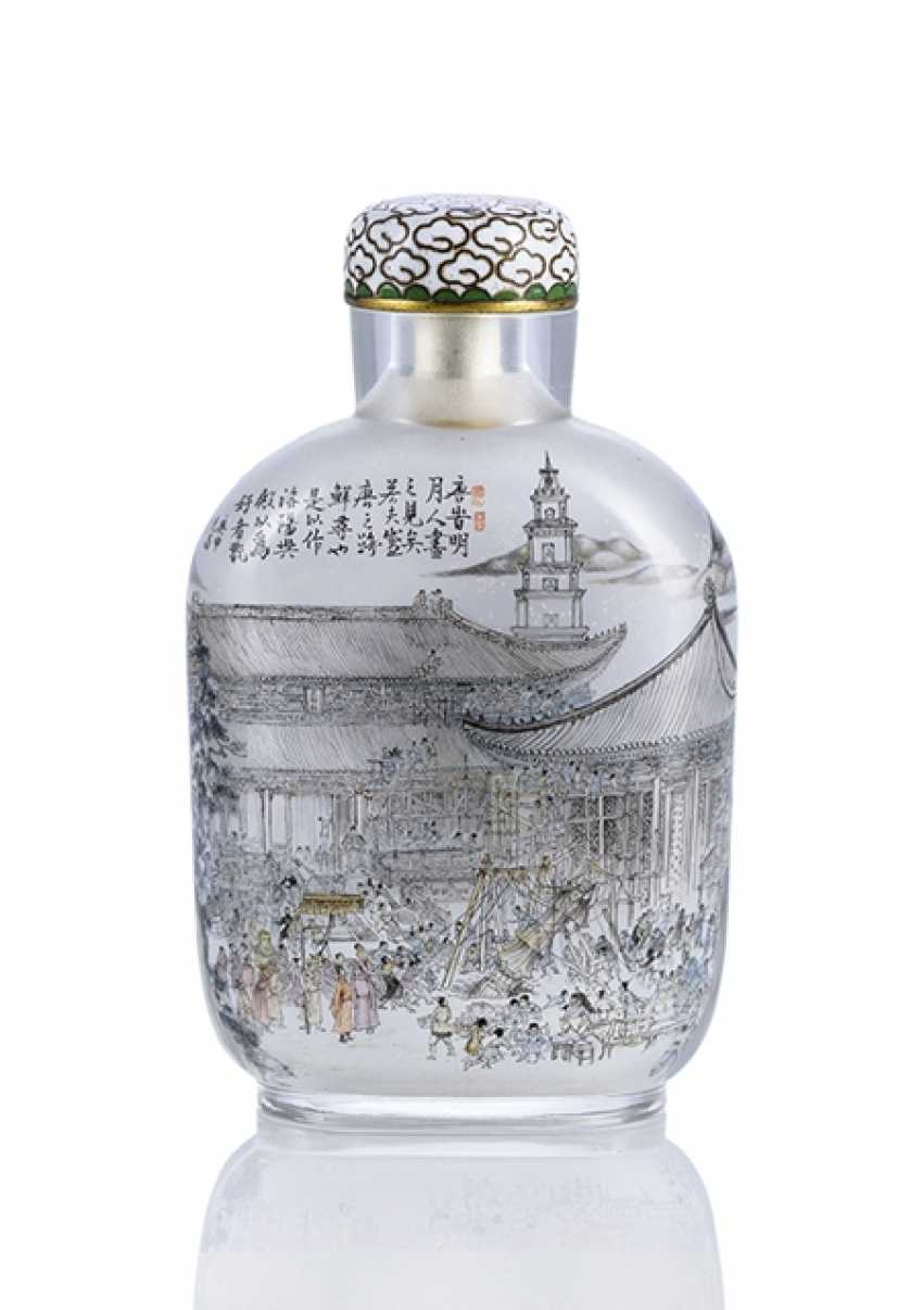 Snuffbottle with architectural interior painting - photo 1