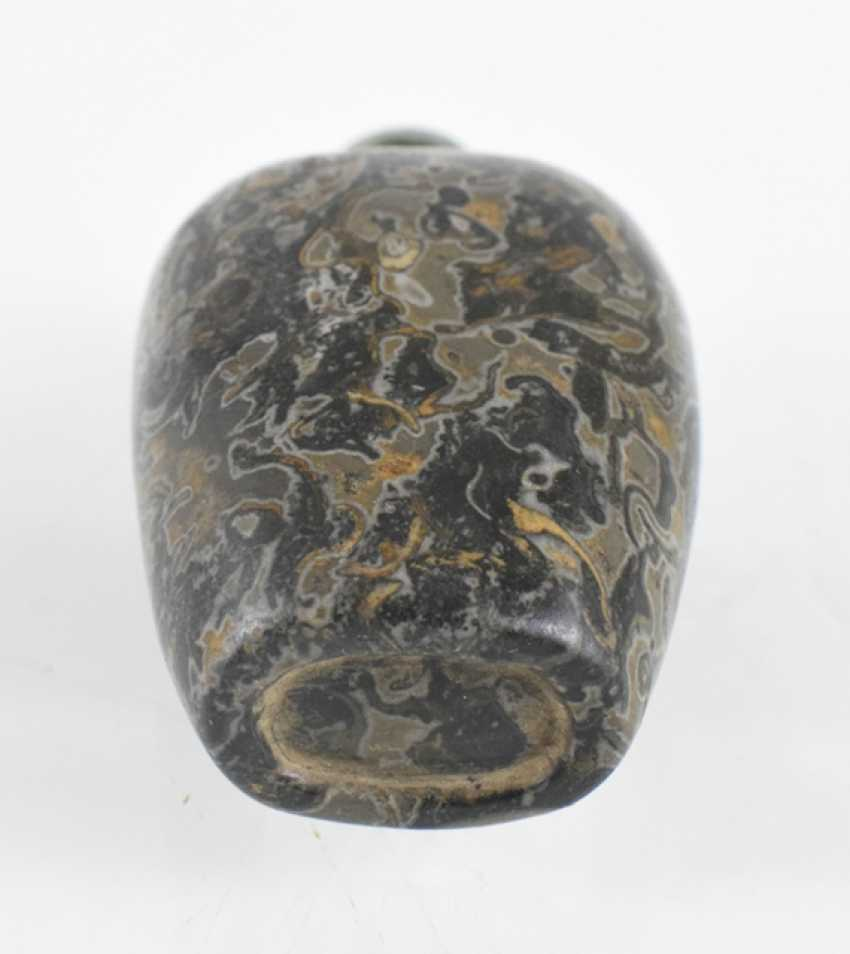 Snuffbottle made of fossil stone with green Stopper - photo 2