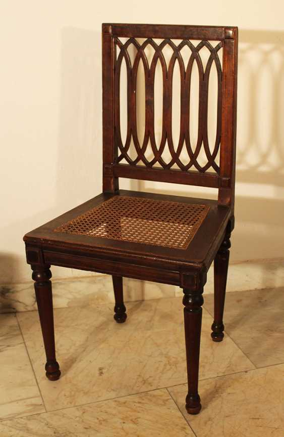 A set of four Louis XVI dining chairs, each with four fluted and turned legs - photo 3