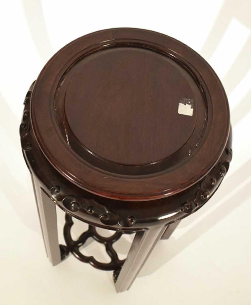 Vase stand made of hard wood - photo 2