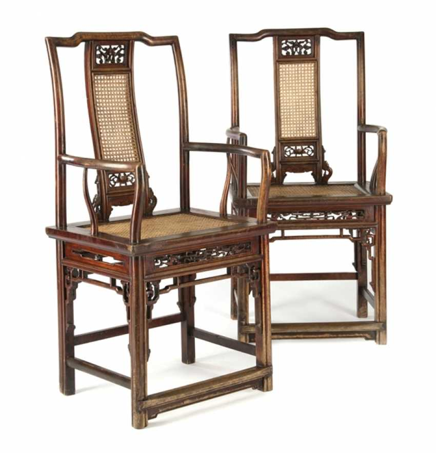Pair of armchairs in walnut wood - photo 1