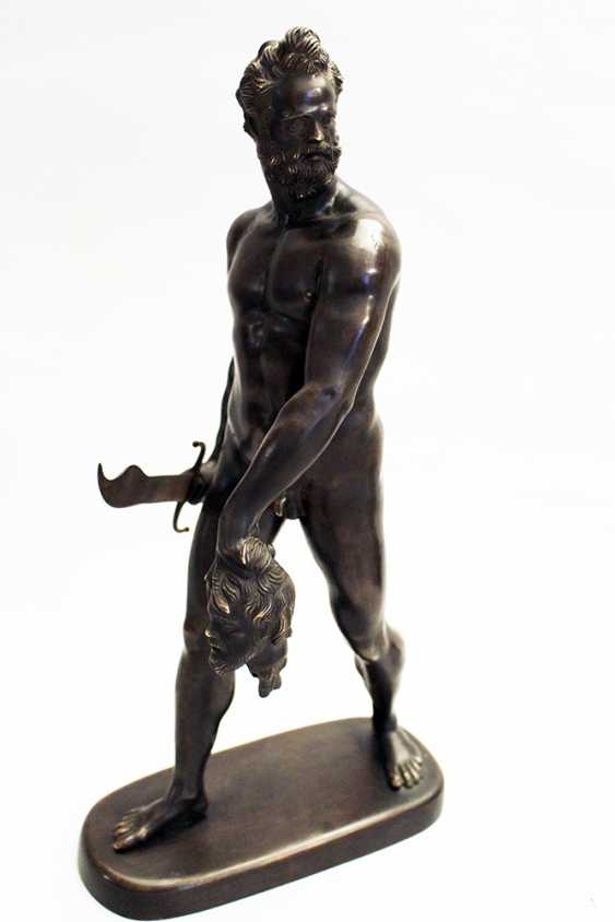 Giovanni da Bologna (1529-1608)-follower, Bronze sculpture of a walking naked warrior with male head and sword in the hands - photo 1