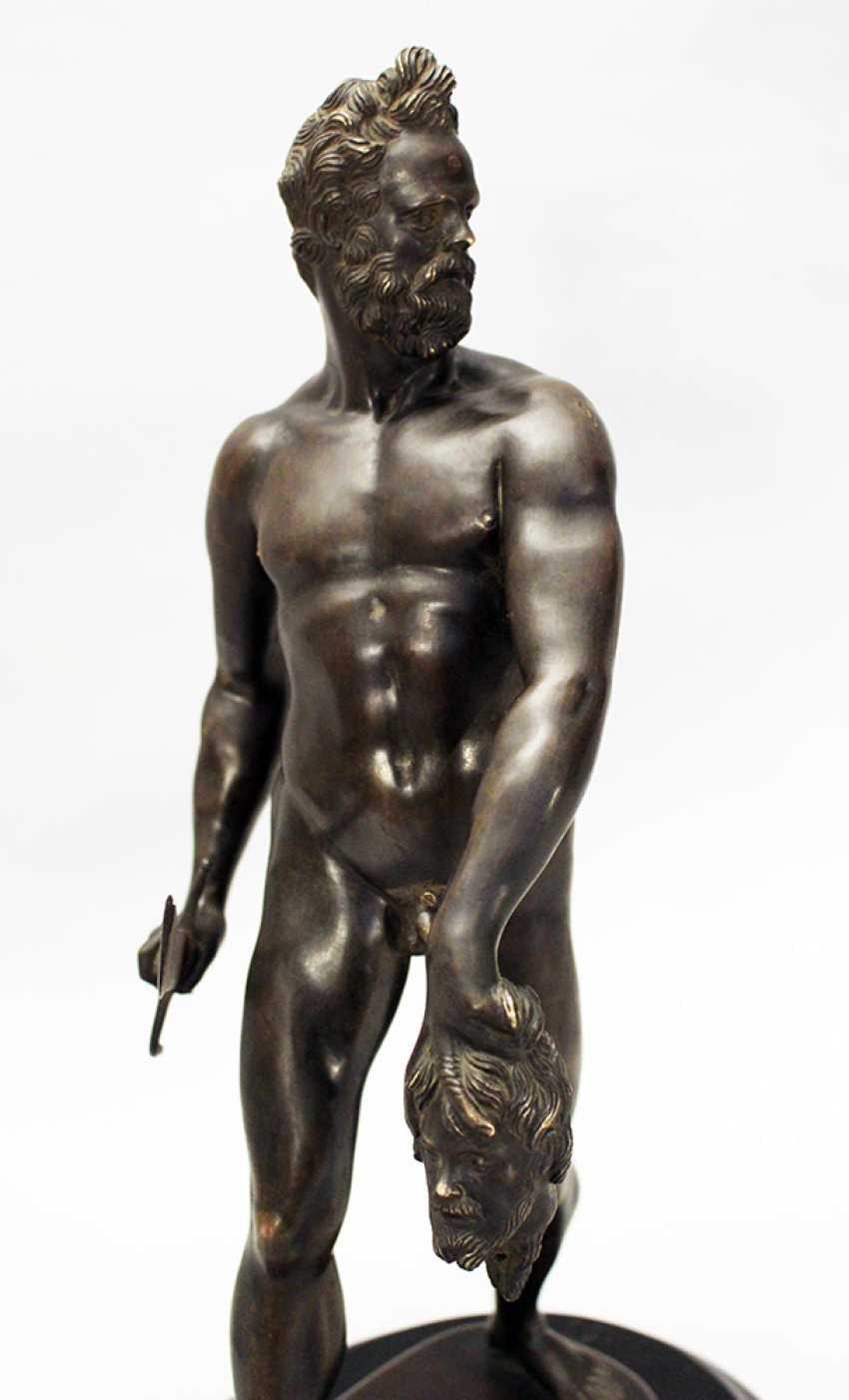 Giovanni da Bologna (1529-1608)-follower, Bronze sculpture of a walking naked warrior with male head and sword in the hands - photo 2
