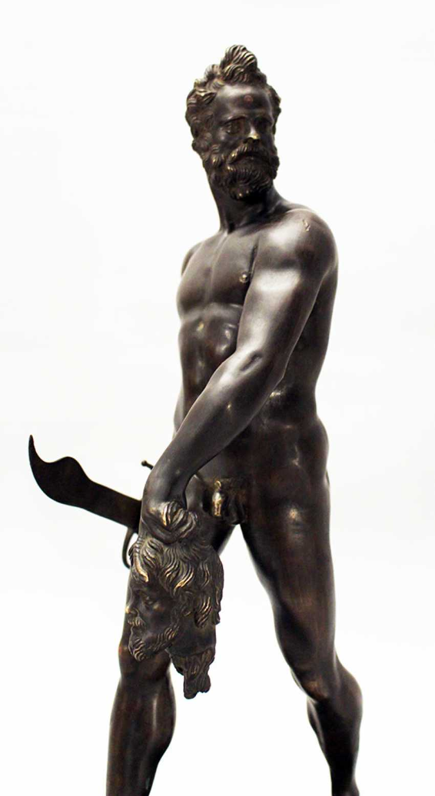 Giovanni da Bologna (1529-1608)-follower, Bronze sculpture of a walking naked warrior with male head and sword in the hands - photo 3