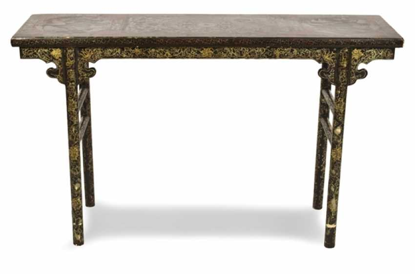 Table with gold paint decoration - photo 1