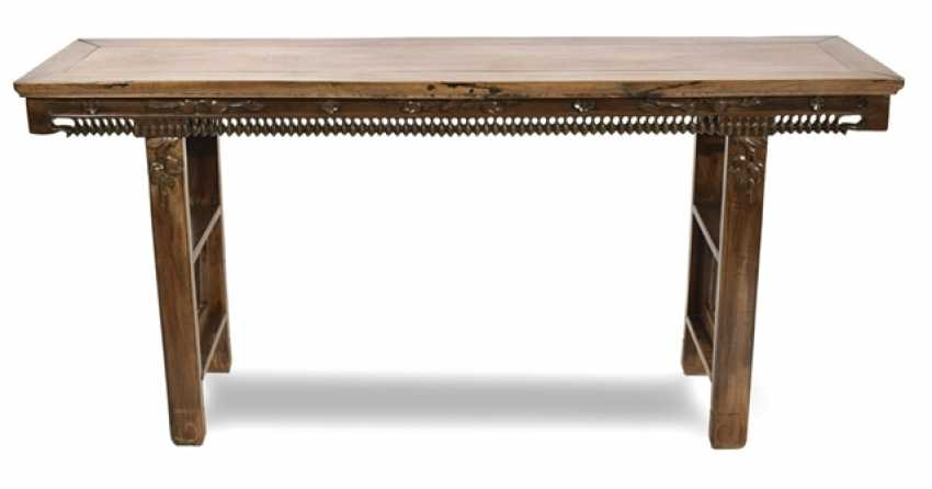 Hard wood table with a bead-shaped frame - photo 1