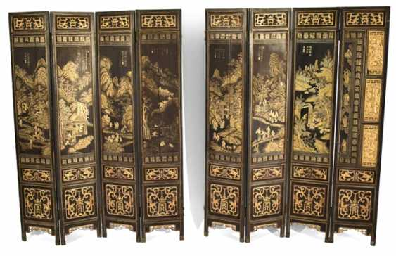 Eight-piece control screen with landscape decoration in gold lacquer - photo 1