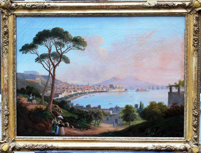 Neapolitan School early 19th Century, View of the bay of Naples with the town, ships, peasants and the Vesuvius in the background - photo 1