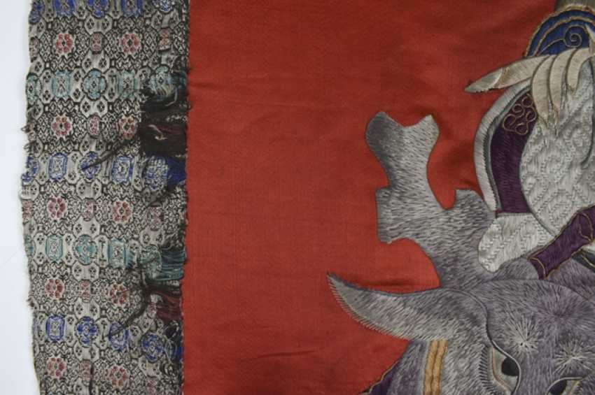 Silk embroidery with Shoulao and Magu on a red Fond with brocade edging - photo 4