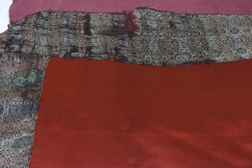 Silk embroidery with Shoulao and Magu on a red Fond with brocade edging - photo 5