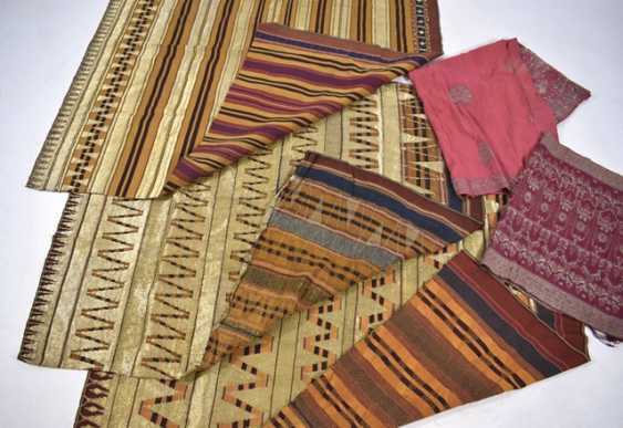 Five textiles made of silk, among others - photo 3