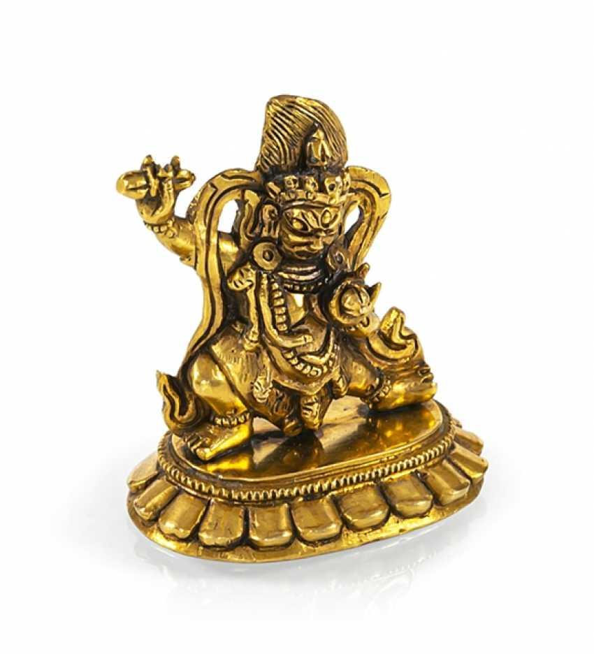 Fire miniature bronze of Vajrapani gilded on a Lotus pedestal - photo 1