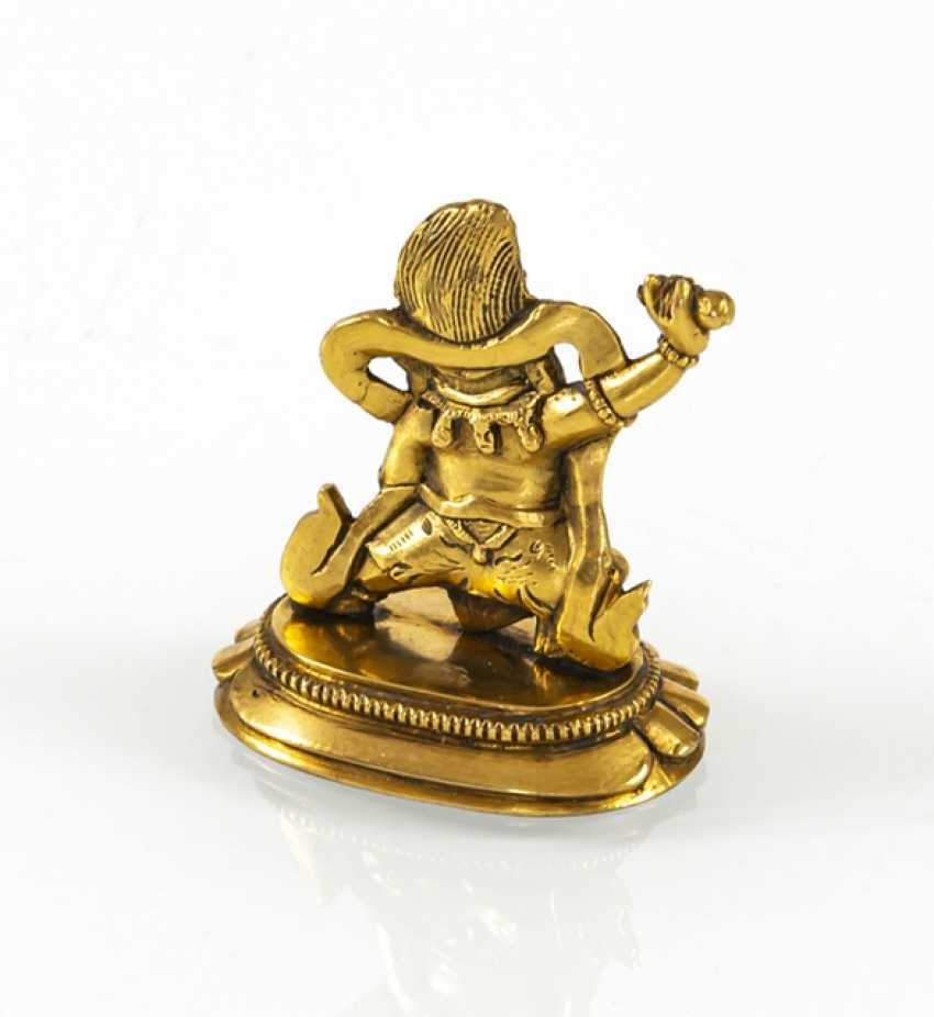 Fire miniature bronze of Vajrapani gilded on a Lotus pedestal - photo 3