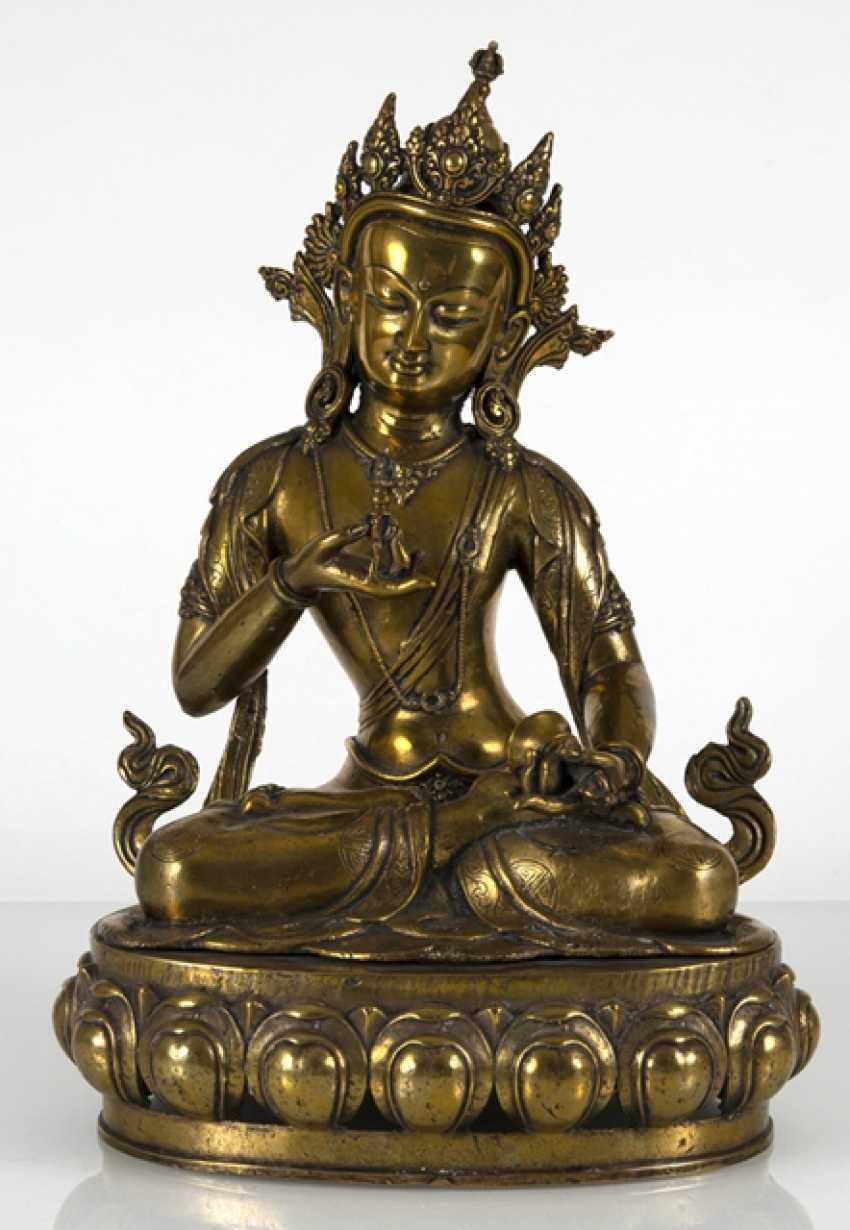 Fire-gilt Bronze of Vajrasattva - photo 2