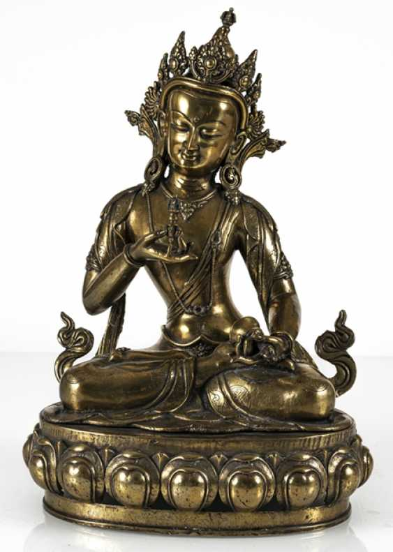 Fire-gilt Bronze of Vajrasattva - photo 6