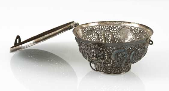 Fine lidded box of a precious Cup made of silver with nine dragons in breakthrough - photo 2
